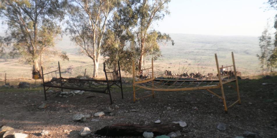 מיטות חיילים סורים בתל עזזיאת