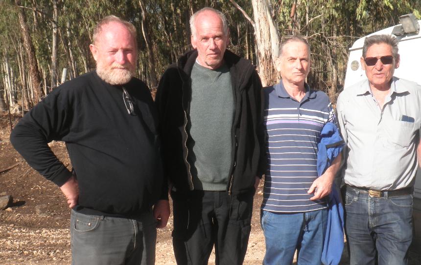 נפרדו כידידים. מימין: ברוש, ביזר, פרידמן והוברמן