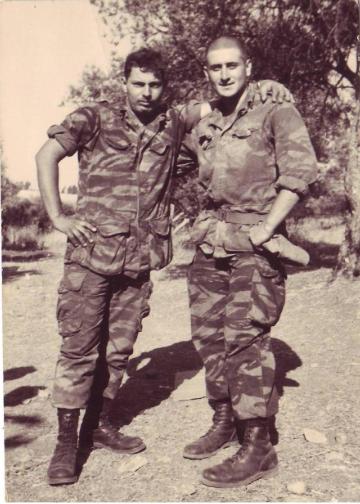 מחניים, מאי 1967. סימקה (מימין) ופסקל
